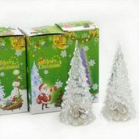 Светящаяся светодиодная ёлочка с шишками Marry Christmas 12 см (2)
