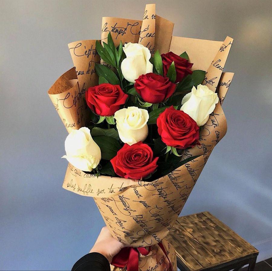 Букет из роз Эквадор в упаковке крафт