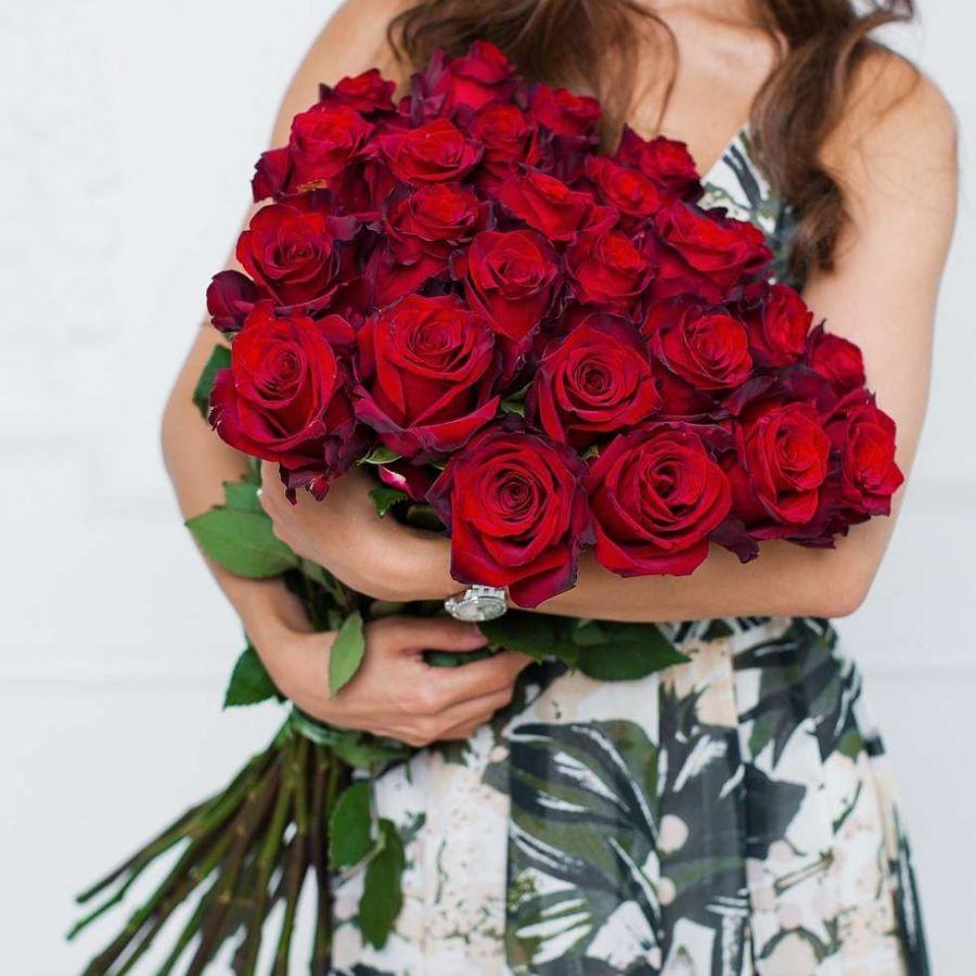 Высокие красные розы (70см) от 11шт Эквадор