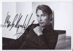 Автограф: Мадс Миккельсен