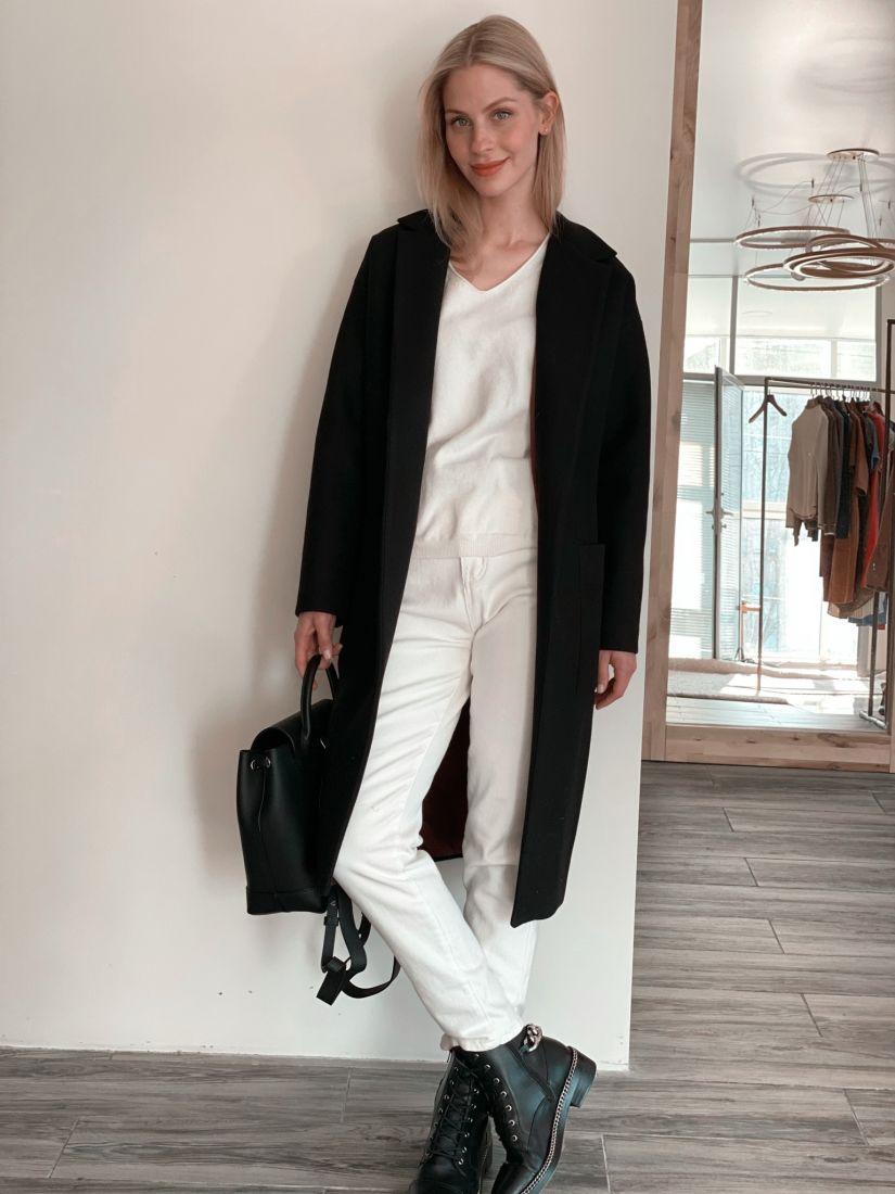 3813 Пальто-кокон чёрного цвета с накладными карманами