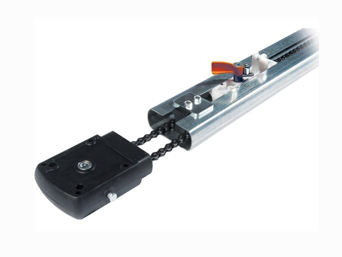 V0679 Профиль направляющий с цепной передачей для ворот высотой до 2,25 м (009V0679)