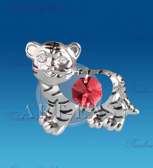 """Магнит тигр с красным камнем """"Swarovski"""""""