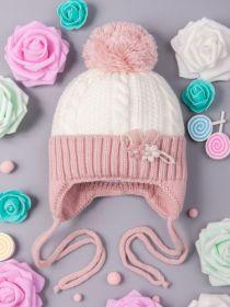 РБ 17498 Шапка вязаная для девочки с бубоном на завязках, на отвороте цветочки, тускло-розовый