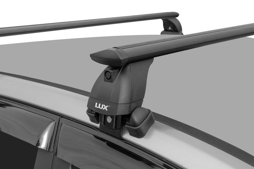 Багажник на крышу Skoda Rapid 2017-..., Lux, черные крыловидные дуги