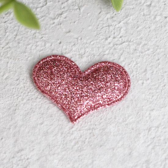Кукольный аксессуар - Патч сердце малиновое 3,2*2,2 см