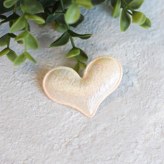 Кукольный аксессуар - Патч Бежевое перламутровое сердце 5*4 см.
