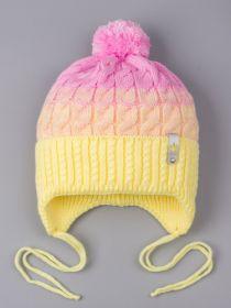РБ 25167 Шапка вязаная для девочки с бубоном на завязках, двухцветная, нашивка корона, желтый