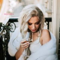 Меховая накидка на вечернее или свадебное платье купить фото