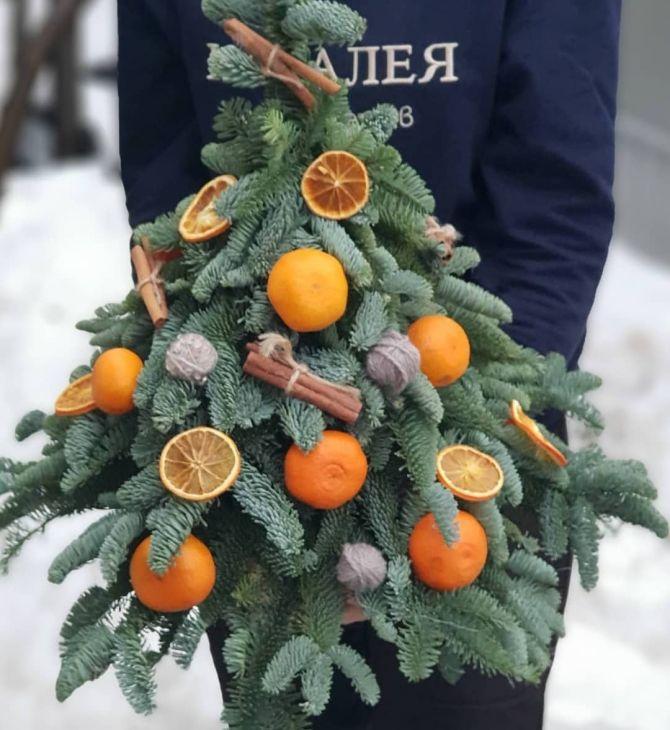 Новогодняя живая ёлочка из мандарин