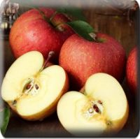 Яблоки Клубничка