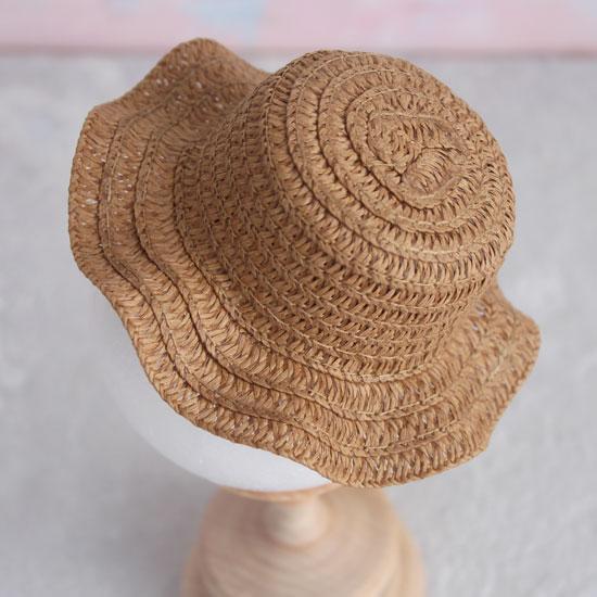Кукольный аксессуар - Шляпка соломенная коричневая