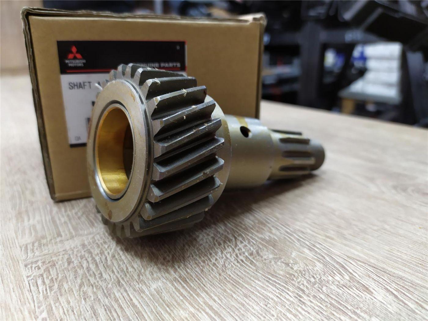 Вал в сборе привода вентилятора Mitsubishi Fuso Canter 4M50Т
