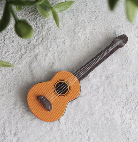 Аксессуар для куклы - Гитара акустическая 6,5 см.