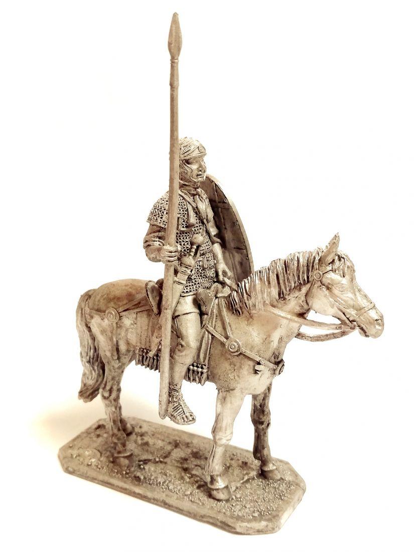 Фигурка Конный римский солдат  олово