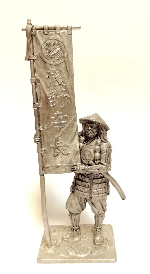 Фигурка Самурай асигару-знаменосец 1600 г. олово