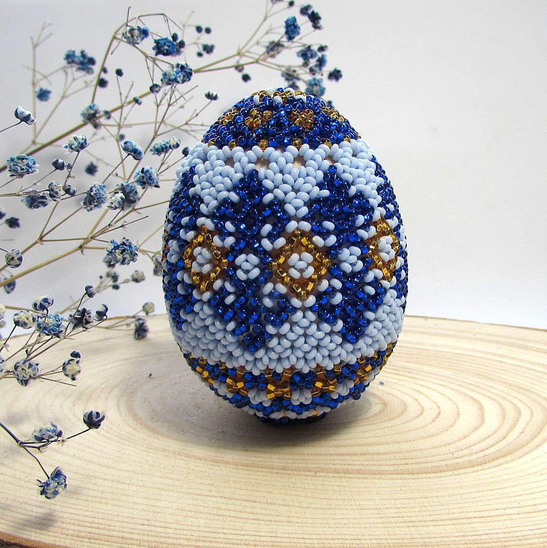 """Яйцо пасхальное с бисером """"Синие узоры"""". Яйцо-сувенир."""