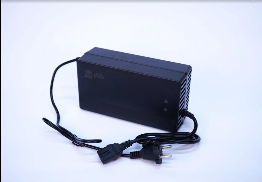 Зарядное устройство 60V 5A для Электроскутеров Citycoco