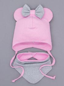 00-0026164  Шапка трикотажная для девочки с ушками на завязках, сверху бант + нагрудник, розовый