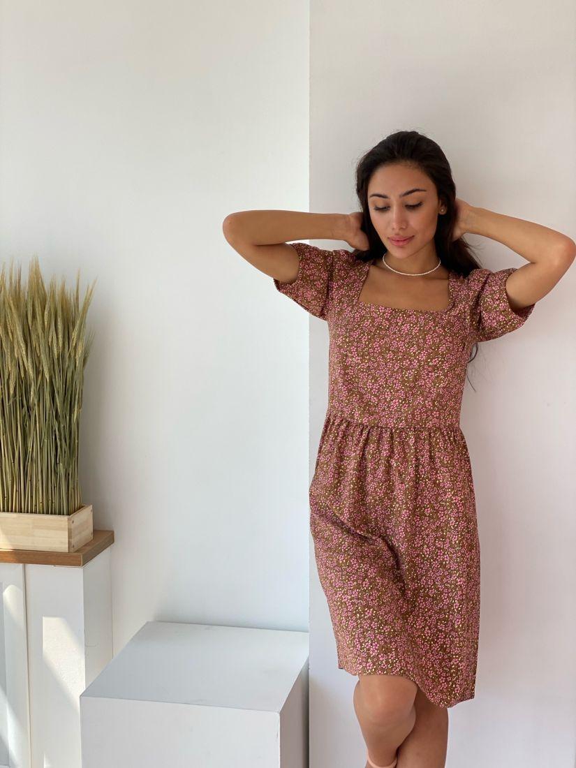4354 Платье с квадратным декольте