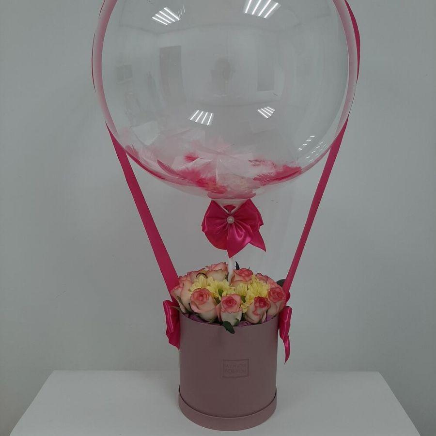 Шикарный бокс цветов с шаром