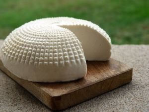 Деревенский сыр