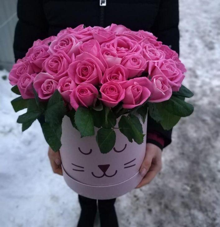 51 розовая розочка в коробочке