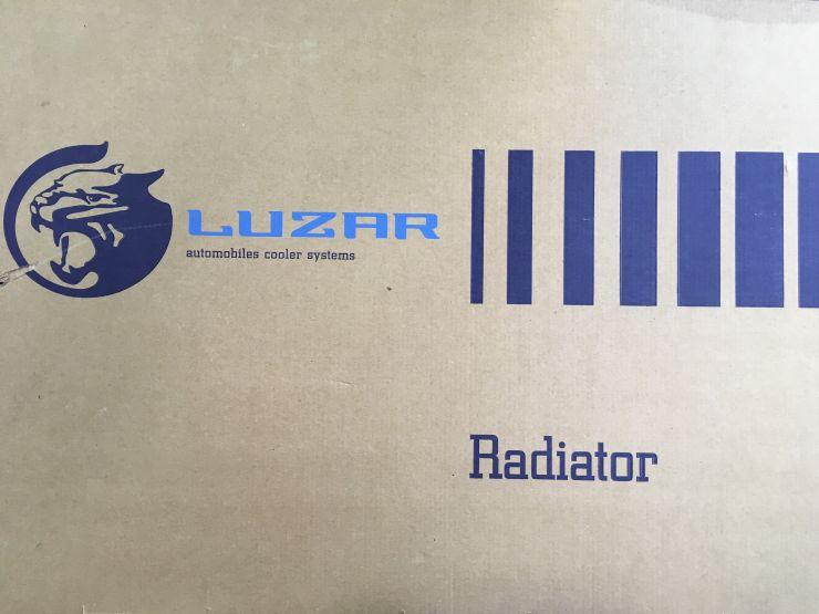Радиатор охлаждения HYUNDAI SOLARIS (11-) , KIA RIO (11-) 1.4 - 1.6 МТ LUZAR LRc08L4