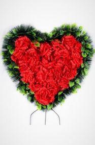 Ритуальный венок Сердце красные гвоздики, хвоя