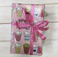 коробка с чаем сладостями и медом на 8 марта