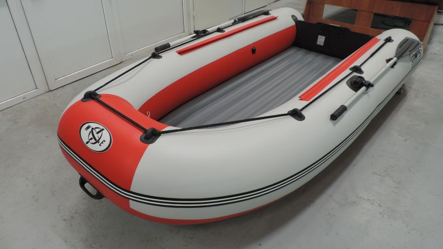 Лодка НДНД CompAs 325e