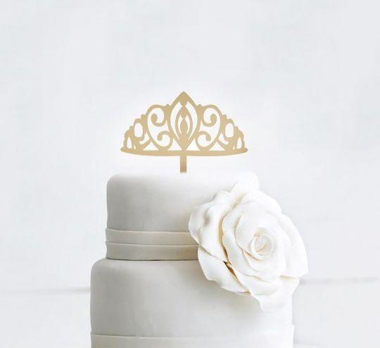 Топпер для торта акриловый золотой Корона