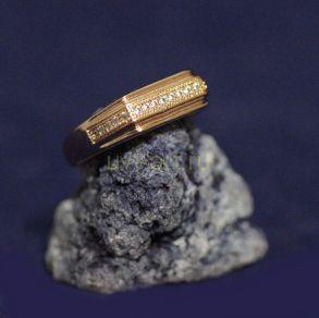 Позолоченное кольцо-печатка с фианитами (арт. 880158)