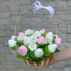 """Композиция из конфет №729 """"Тюльпаны в корзине"""""""